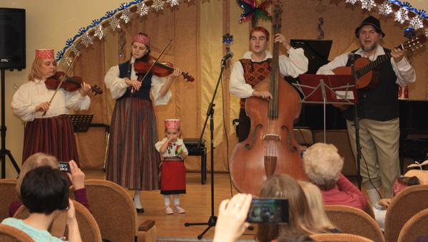 Юные тверитяне играли эстонскую музыку и пели эстонские песни / фото