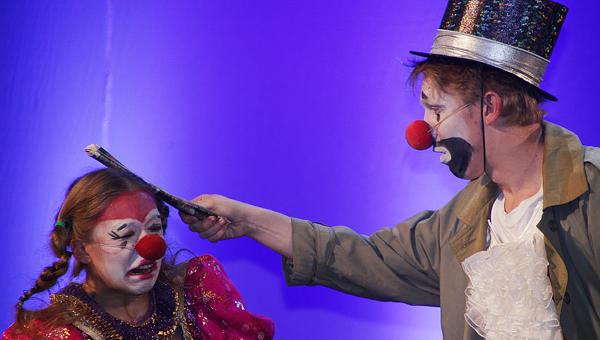 «Поставьте сказку, поставьте сказку — хватит претендовать на «Маску». Тверской театр юного зрителя торжественно открыл 85-ый сезон