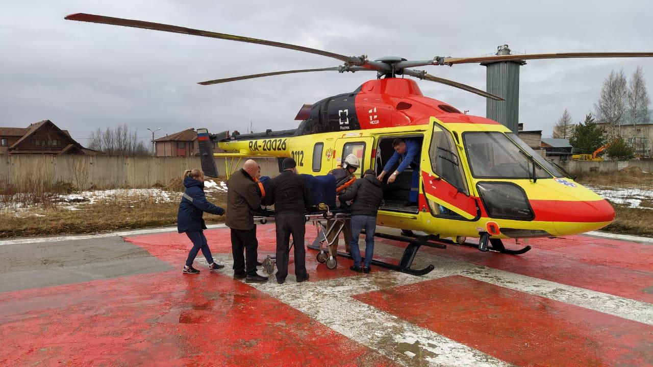 Вертолеты доставили в Тверь пациентов трех районных больниц - новости Афанасий
