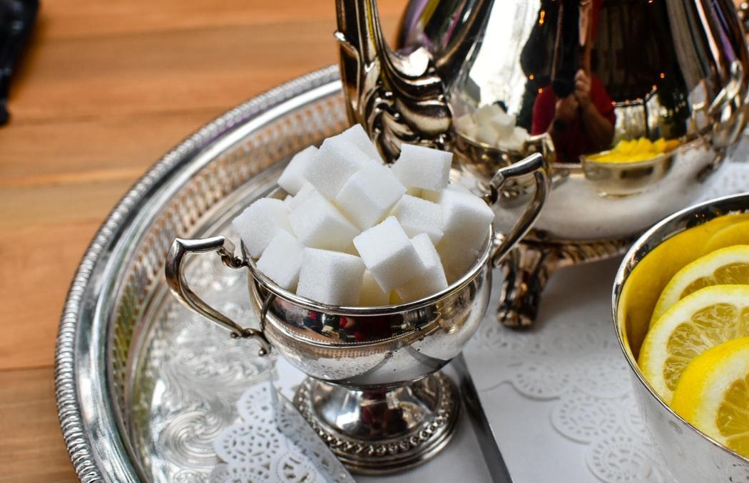 Подсчитано, сколько сахара съедает среднестатический россиянин за год - новости Афанасий