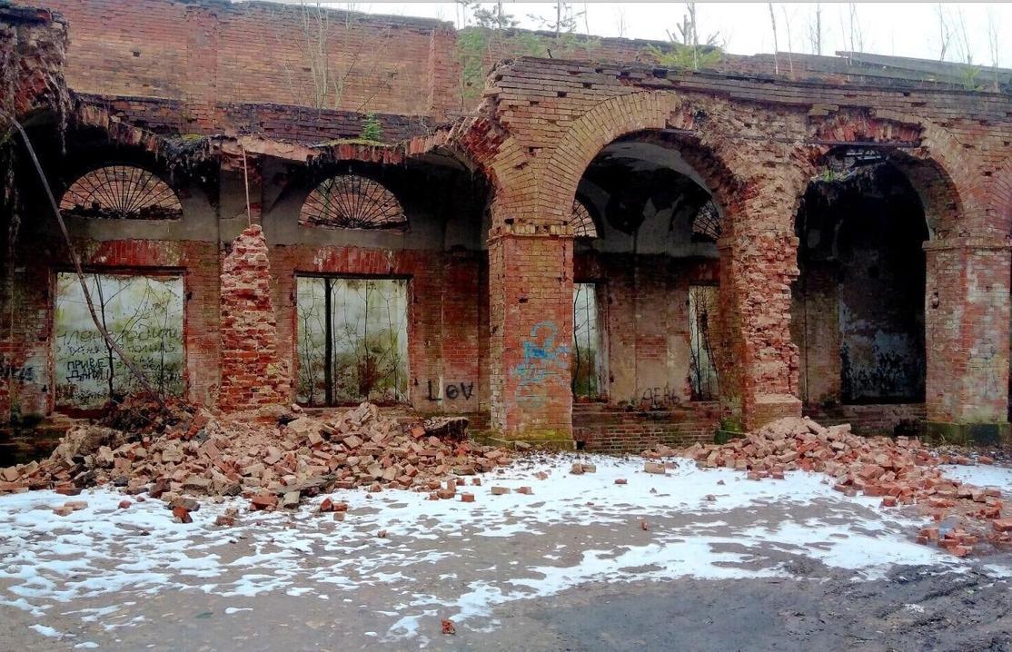 В Вышнем Волочке продолжает разрушаться объект культурного наследия федерального значения - новости Афанасий