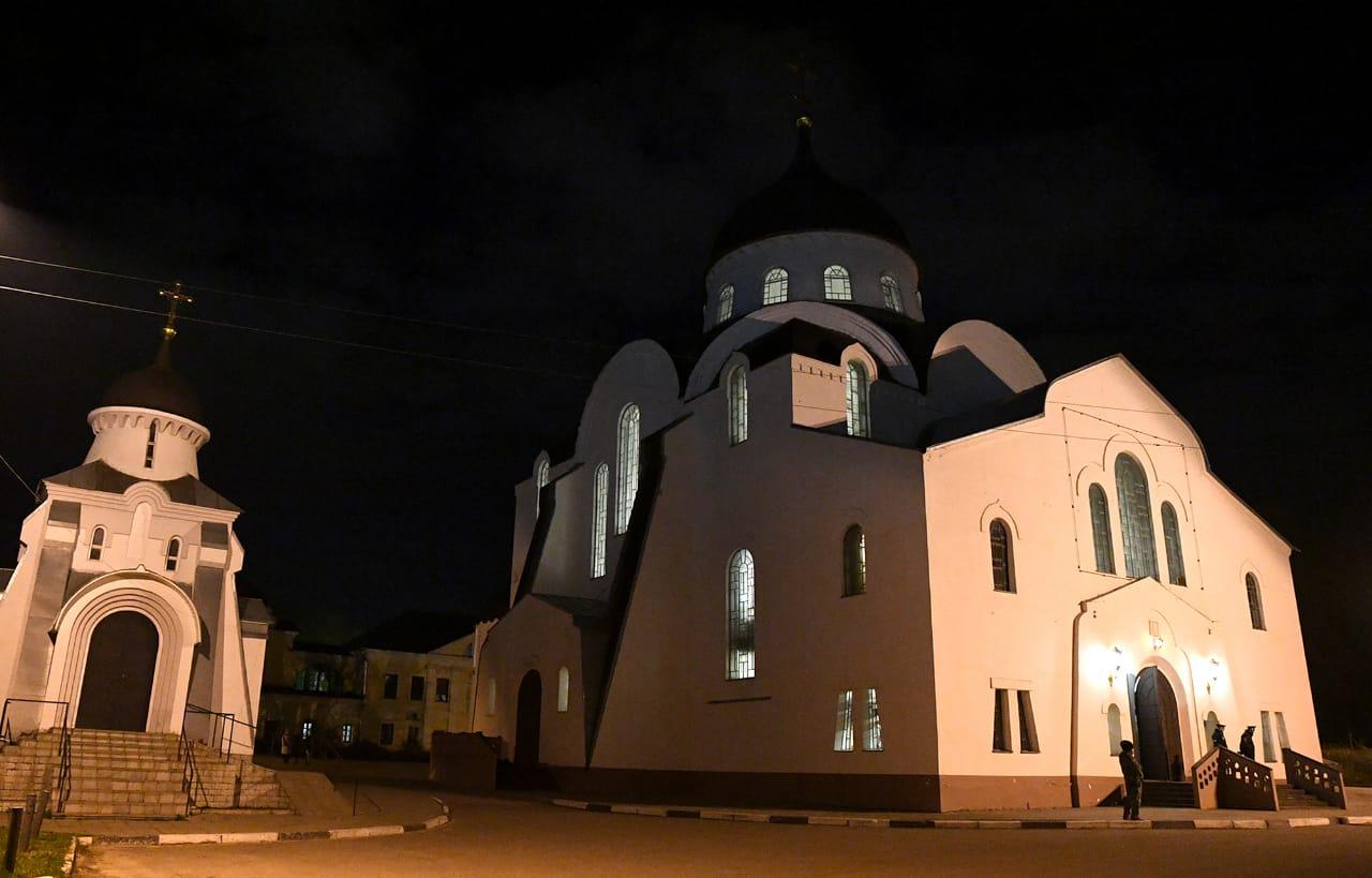 Игорь Руденя встретил праздник Пасхи вместе с прихожанами Воскресенского кафедрального собора Твери - новости Афанасий