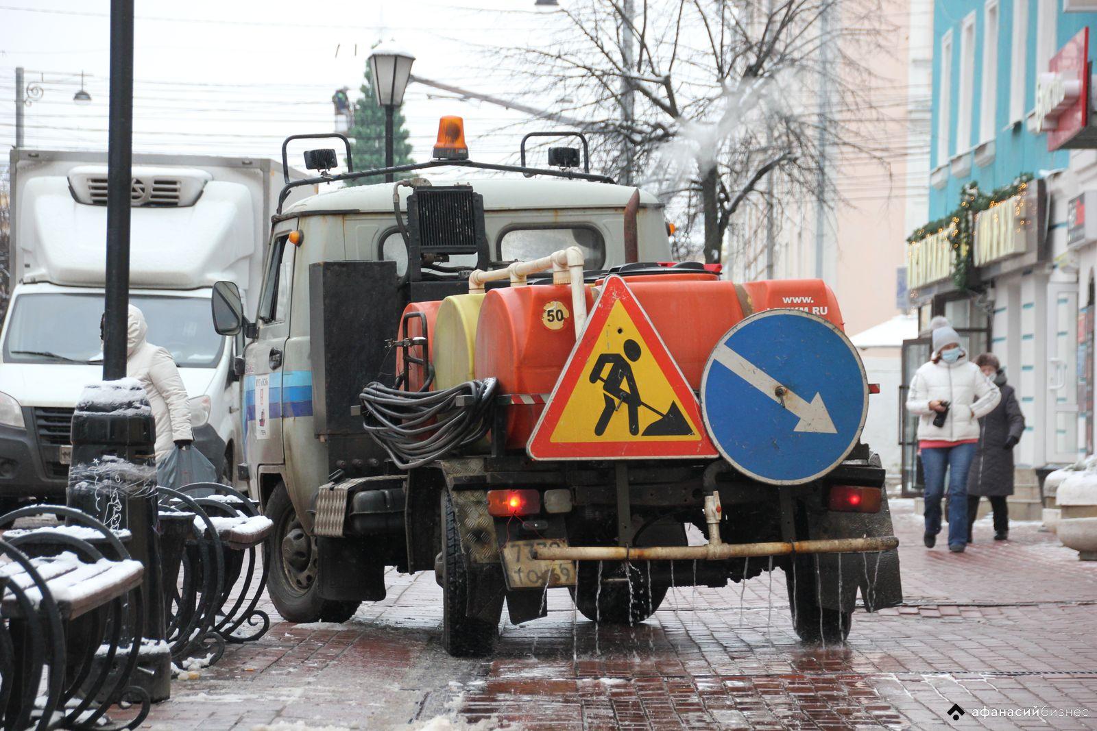 В Твери чистят тротуары и обрабатывают дороги - новости Афанасий