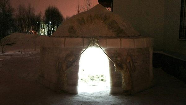 Вертеп из снега и льда появился в Твери / фото