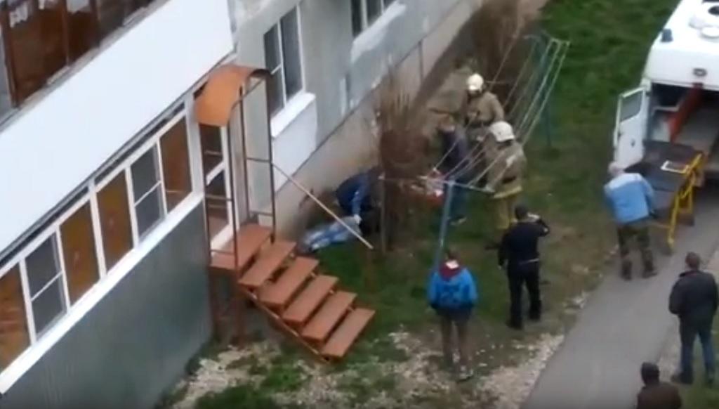 В Ржеве Тверской области женщина упала с четвертого этажа - новости Афанасий