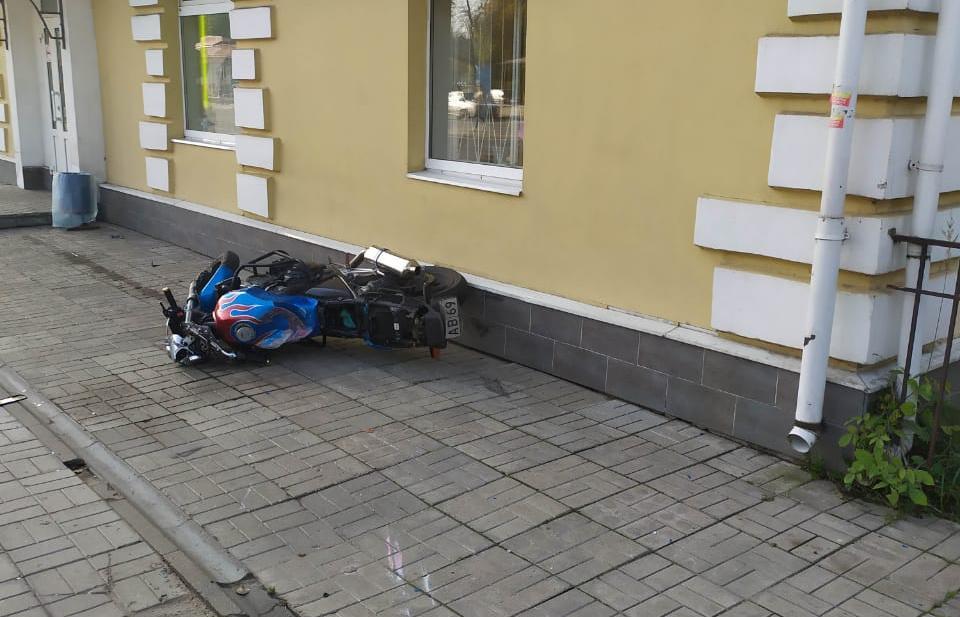 В Твери мотоциклист получил травмы, столкнувшись с легковушкой - новости Афанасий