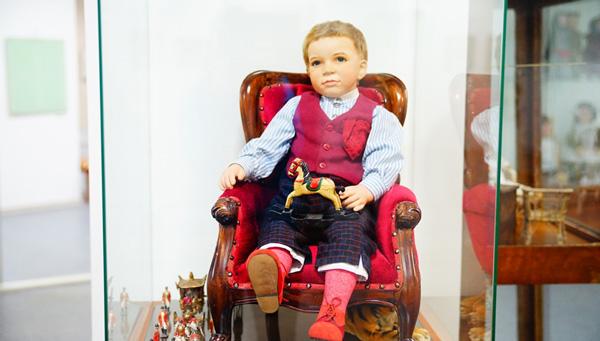 Уникальная выставка кукол открылась в Тверской картинной галерее / фоторепортаж