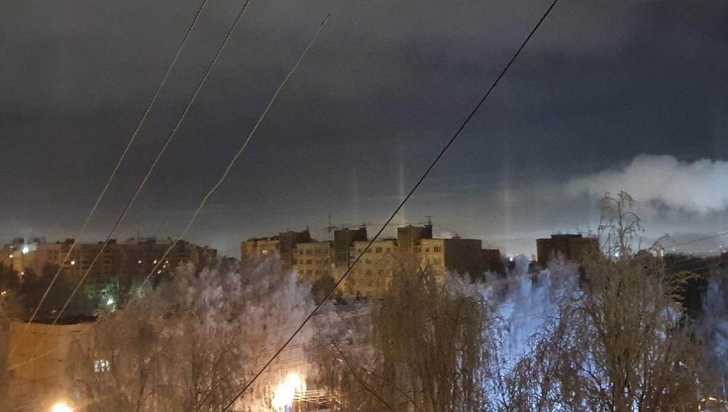 В Твери в крещенскую ночь наблюдали световые столбы