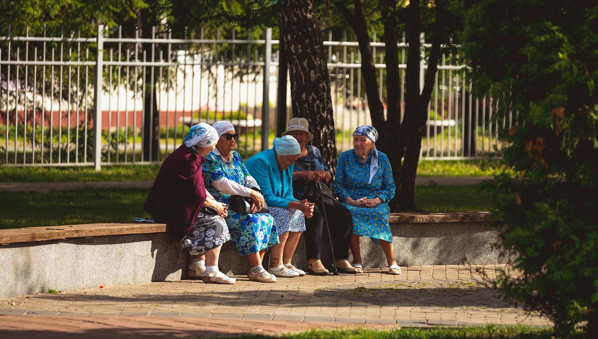 В России предлагают ввести выплату пенсионерам за вакцинацию - новости Афанасий
