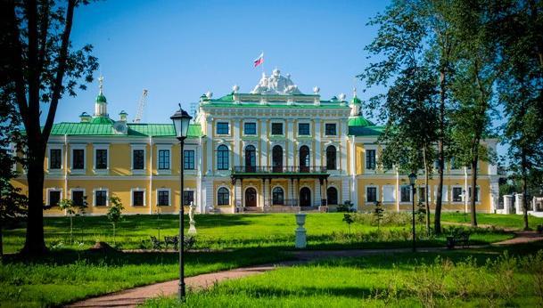Все восьмиклассники Тверской области в 2019 году бесплатно побывают в Императорском дворце