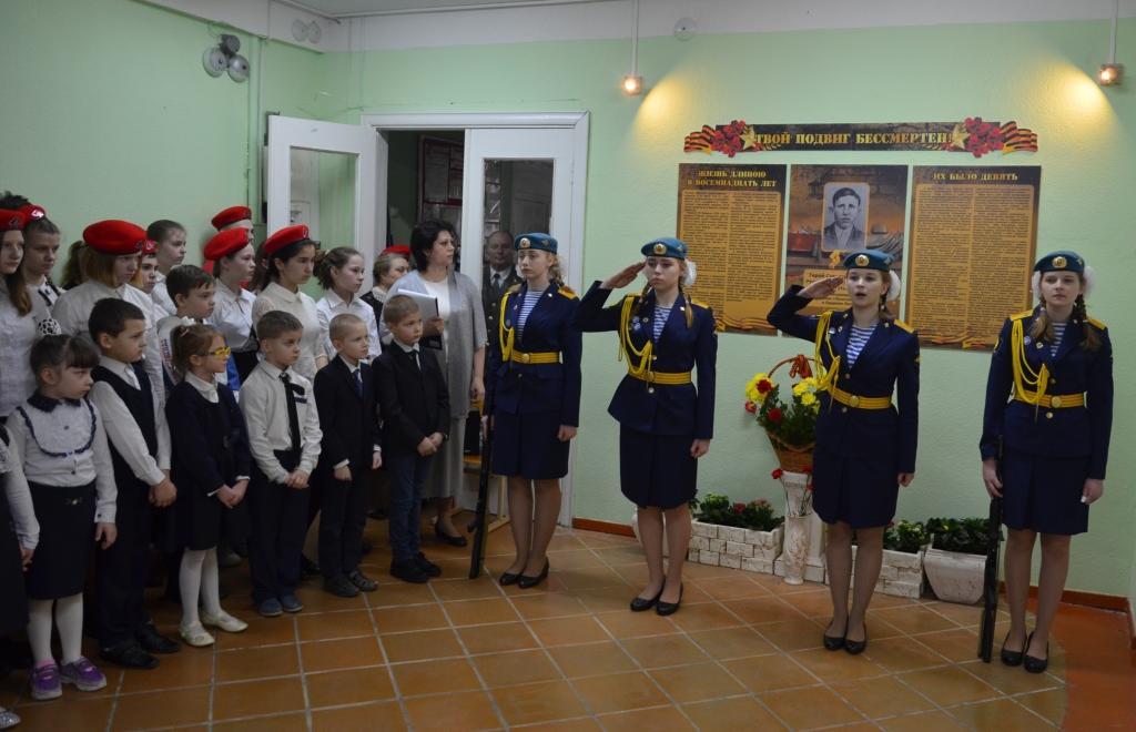 В селе Неклюдово Кимрского района открыли мемориальный стенд памяти Василия Русакова