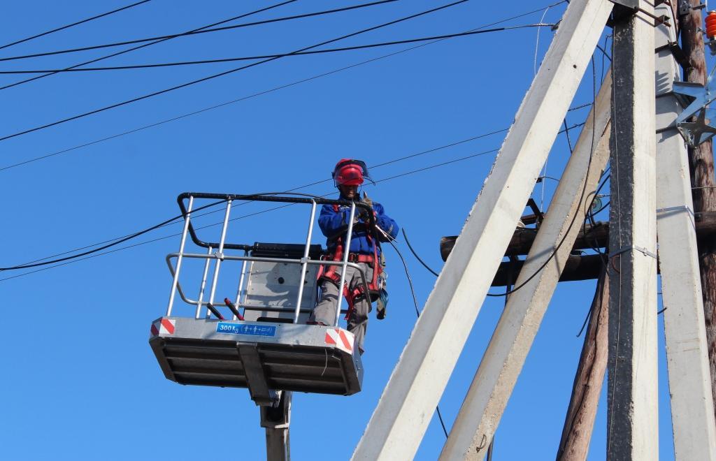 Энергетики восстанавливают электроснабжение в Тверской области - новости Афанасий