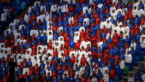 Ребята из Конаково спели гимн России на церемонии закрытия Олимпиады в Сочи в составе сводного детского хора