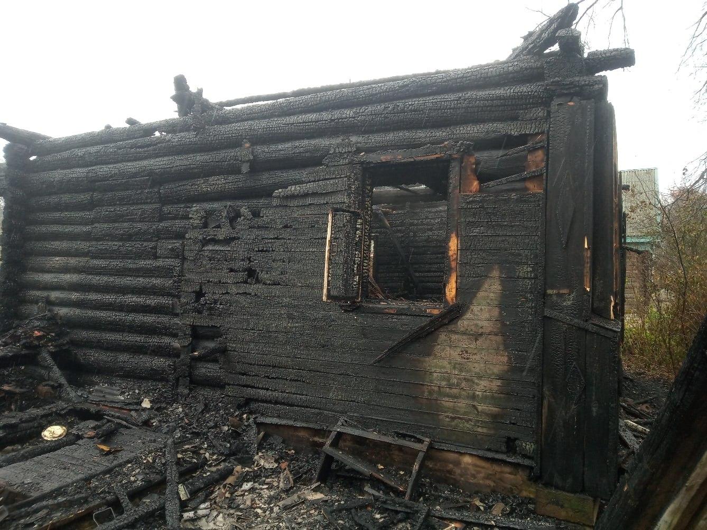 Под Тверью утром сгорел деревянный дом, его хозяин успел спастись - новости Афанасий