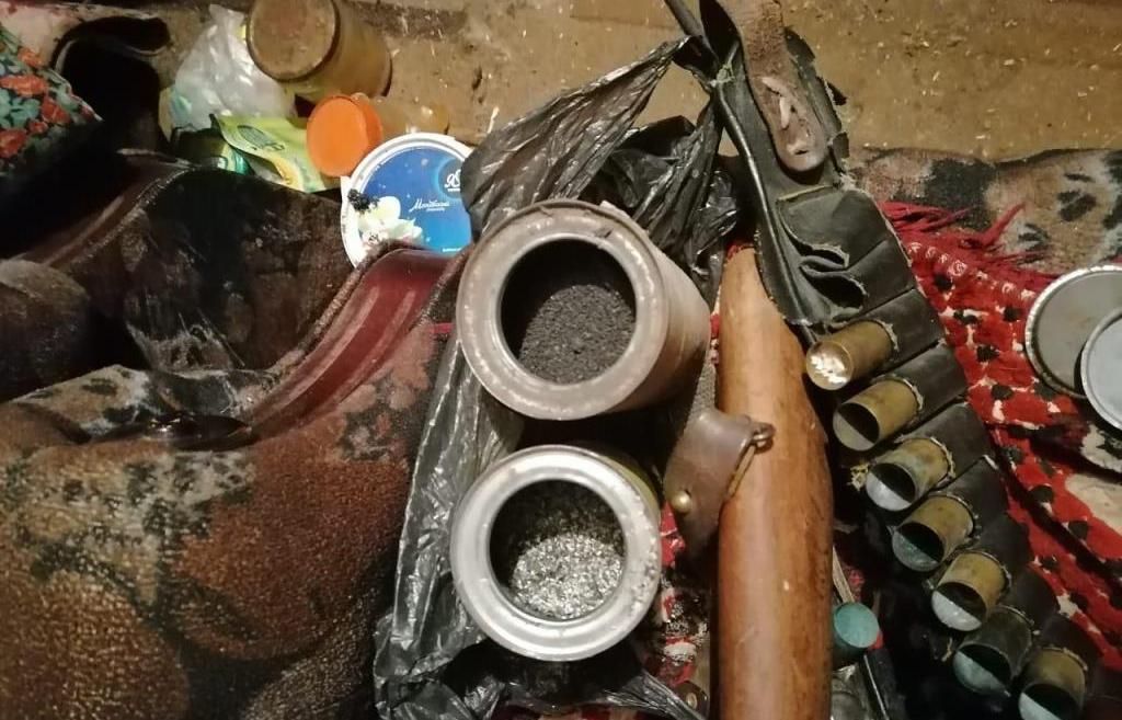 Операция «Арсенал»: незаконные порох, огнестрельное оружие и патроны изымают полицейские в Тверской области - новости Афанасий