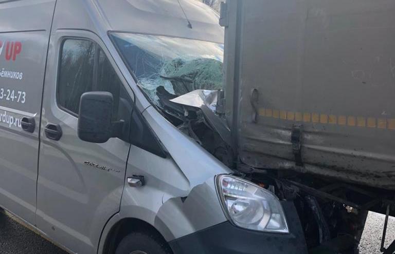 На М-11 в Тверской области ГАЗель догнала грузовик Mercedes - новости Афанасий
