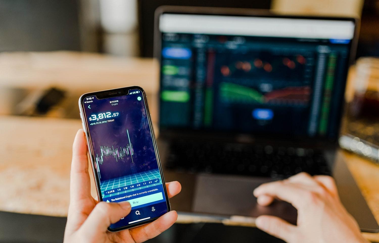 ВТБ и Московская биржа разработали онлайн-курс по биржевой торговле для начинающих инвесторов - новости Афанасий