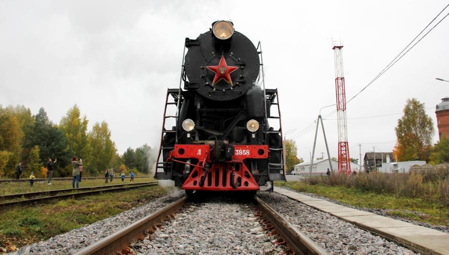 Машина времени: ретро-поезд уже год возит пассажиров из Бологое в Осташков