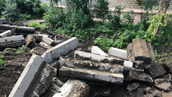 В Твери ремонт дворов начался с демонтажа