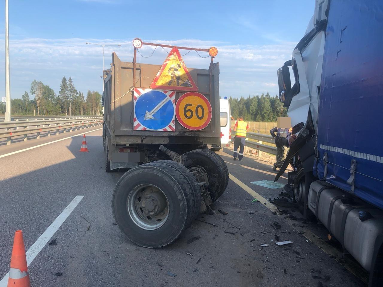 Двое водителей получили травмы в ДТП на М11 в Тверской области - новости Афанасий