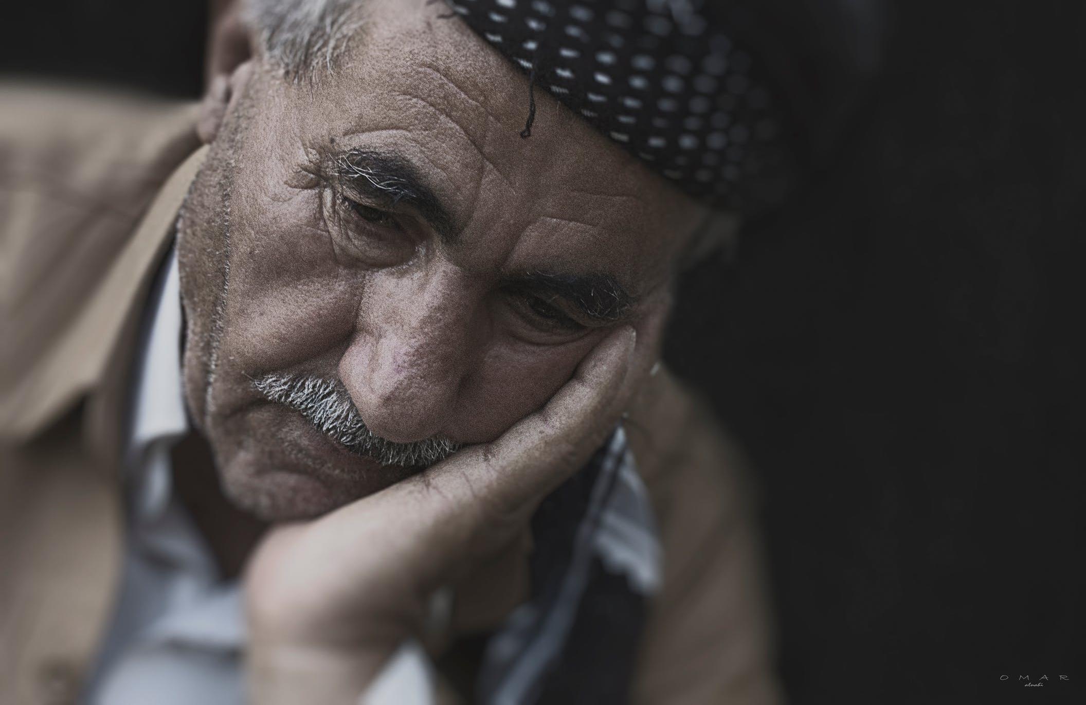 Повышать пенсии два раза в год предлагают в России - новости Афанасий