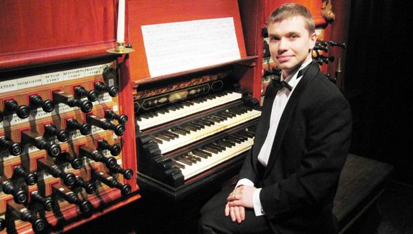 Органную классику сыграет в Твери Константин Волостнов