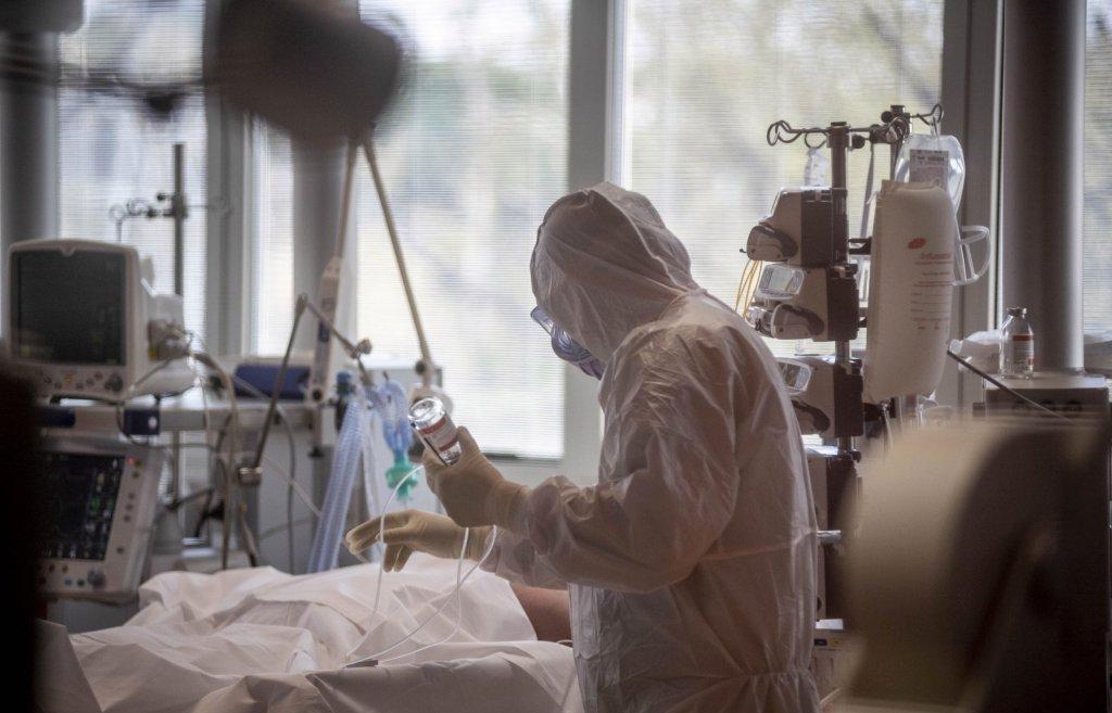Кроме гипоксии и тромбоэмболии больным коронавирусом угрожают суперинфекции - новости Афанасий
