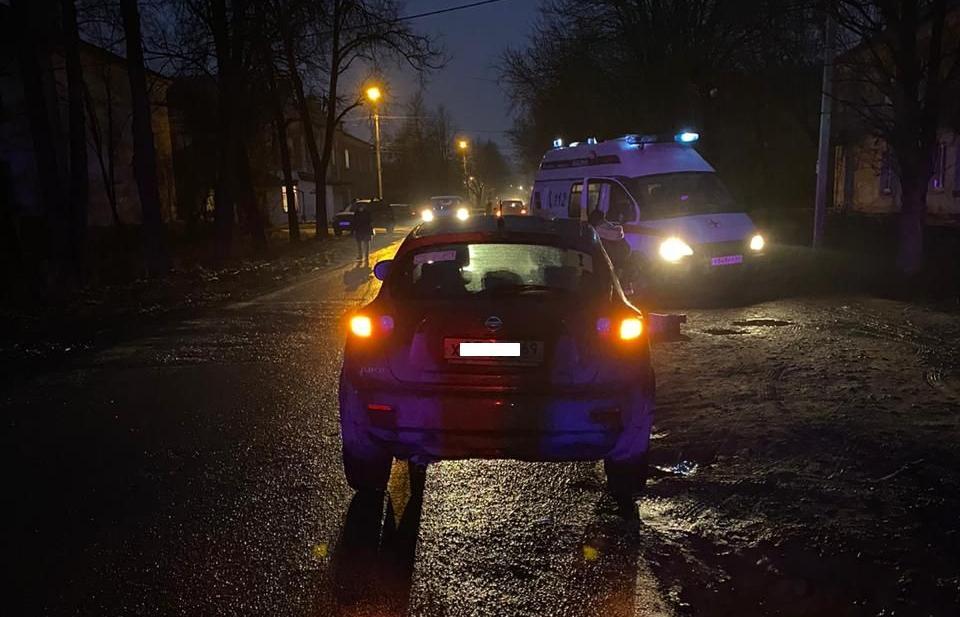 В Твери на темной улице водитель легковушки сбил женщину - новости Афанасий