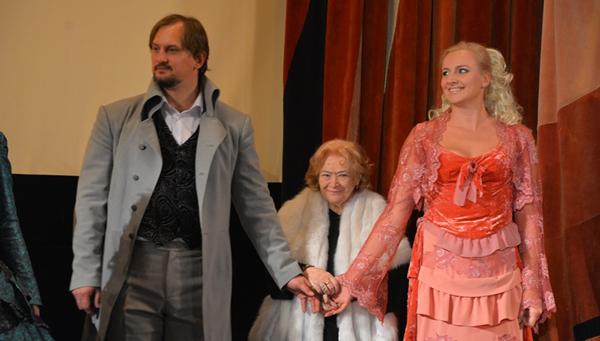 Веру Ефремову чествовали в Москве