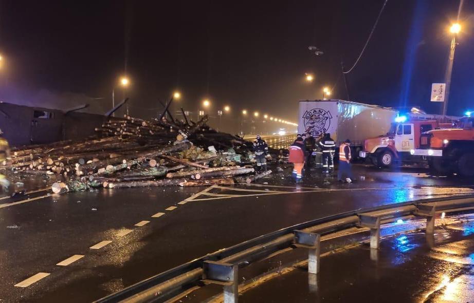 Водитель лесовоза погиб в ДТП с фурой под Тверью - новости Афанасий