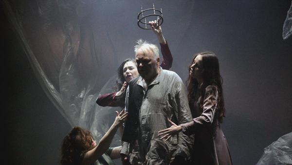 «В наш век слепцам безумцы вожаки». 24 ноября в Твери с аншлагом прошла премьера нового спектакля ТЮЗа «Король Лир»
