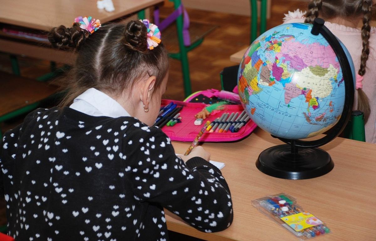 Учебный год в России начнется по антиковидным правилам - новости Афанасий