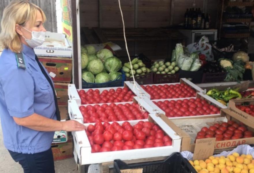 В Торжке поверили продукцию на рынке