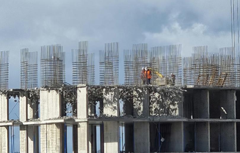 Застройщик рассказал, что произошло с перекрытиями многоэтажки в Твери  - новости Афанасий