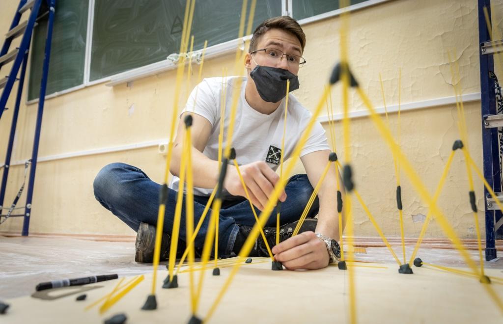 В Твери прошел конкурс строительства из спагетти  - новости Афанасий
