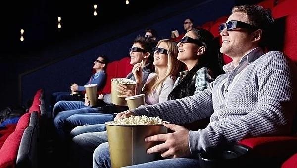 Жителей Твери приглашают на бесплатные ночные кинопоказы