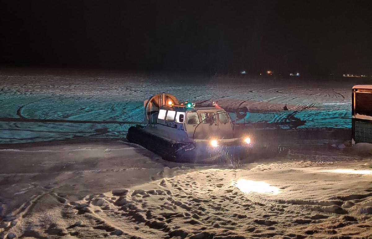 В Тверской области людей эвакуировали с острова после пожара в доме - новости Афанасий
