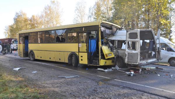 Страховая компания выплатит семьям погибших в автокатастрофе под Тверью по 2 млн рублей