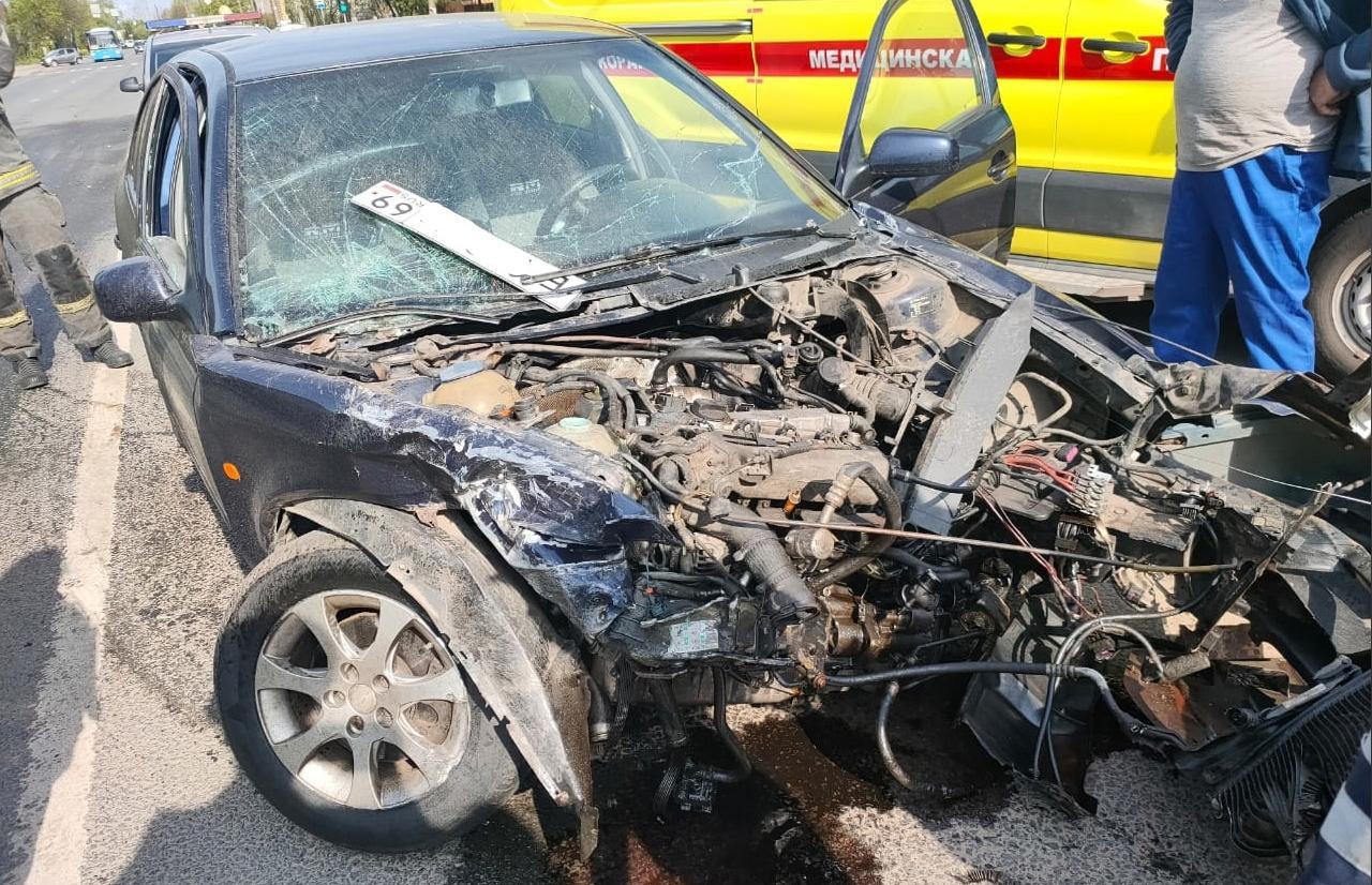 В массовом ДТП на улице Туполева в Твери пострадал виновник аварии - новости Афанасий