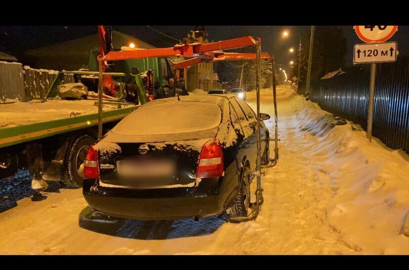 Под Тверью Nissan и ГАЗель уехали от своих пьяных хозяев на штрафстоянку - новости Афанасий