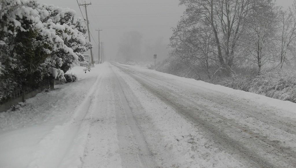 Руководителя предприятия в Тверской области весной наказали за некачественное зимнее содержание дороги - новости Афанасий