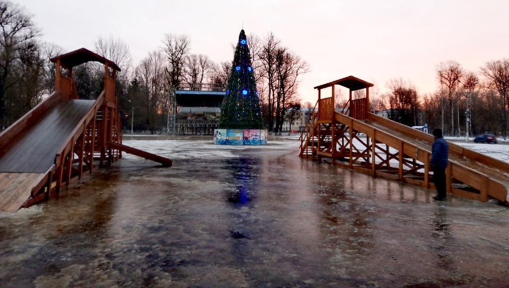 В центре Ржева Тверской области оборудуют новогоднюю площадь - новости Афанасий