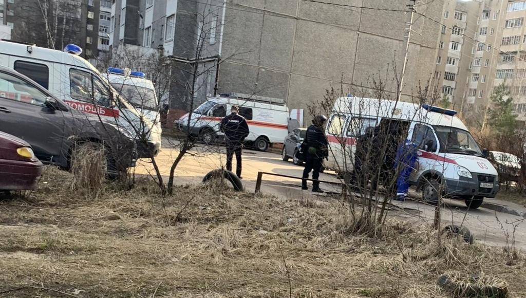 В Твери жителей микрорайона Соминка напугало прибытие экстренных служб в один из домов - новости Афанасий