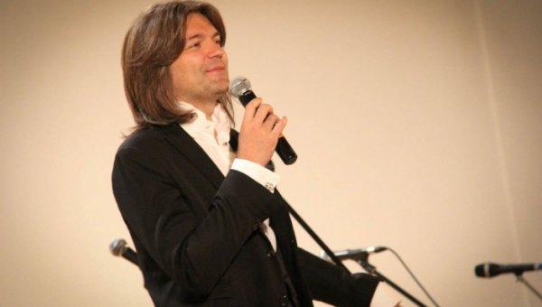 Дмитрий Маликов представит в Твери свой спектакль «Перевернуть игру»