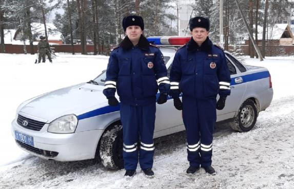 Полицейские в Тверской области помогли рожающей женщине - новости Афанасий