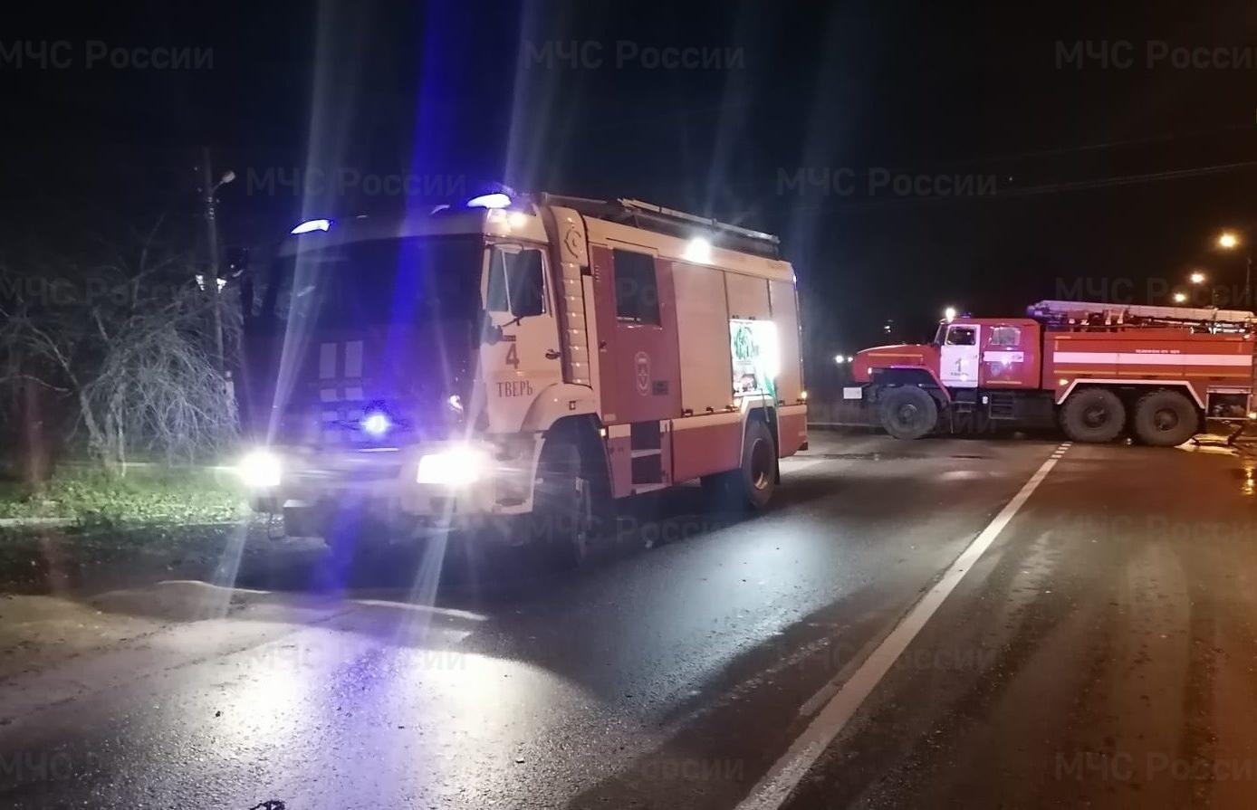 Мужчина и женщина погибли на ночном пожаре в Твери - новости Афанасий