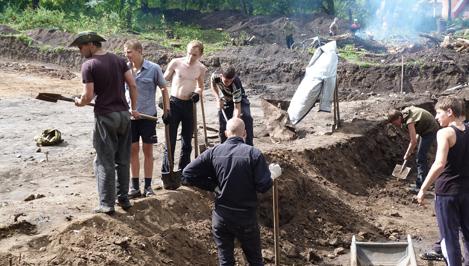 На территории Ржевской ЦРБ начались археологические раскопки