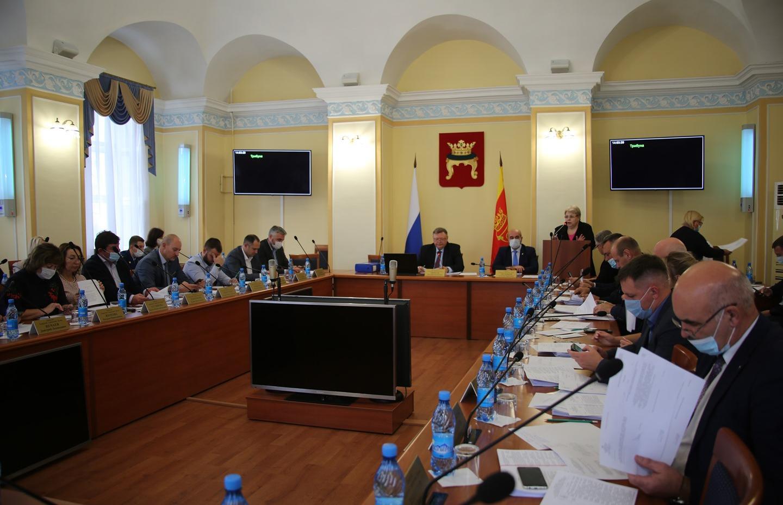 Бюджет, инициативное бюджетирование и пять участков земли: состоялось первое осеннее заседание Тверской Думы