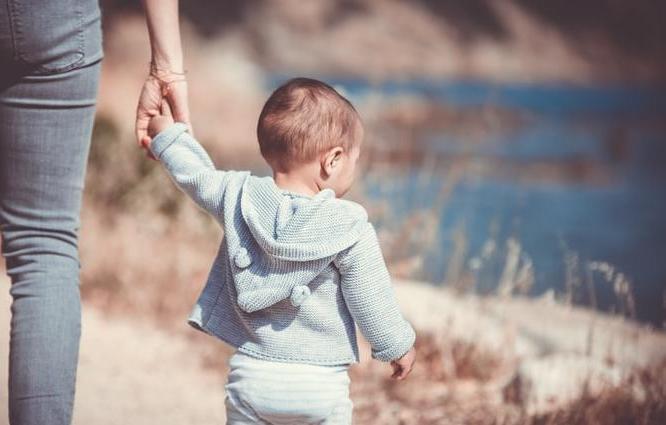 Семьям с детьми до 3 лет будут ежемесячно платить 5 тысяч рублей - новости Афанасий