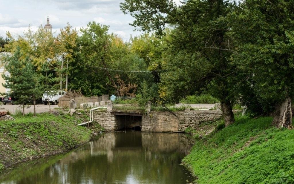 Более 7,5 млн рублей выделено на благоустройство сквера у ручья Здоровец в Торжке